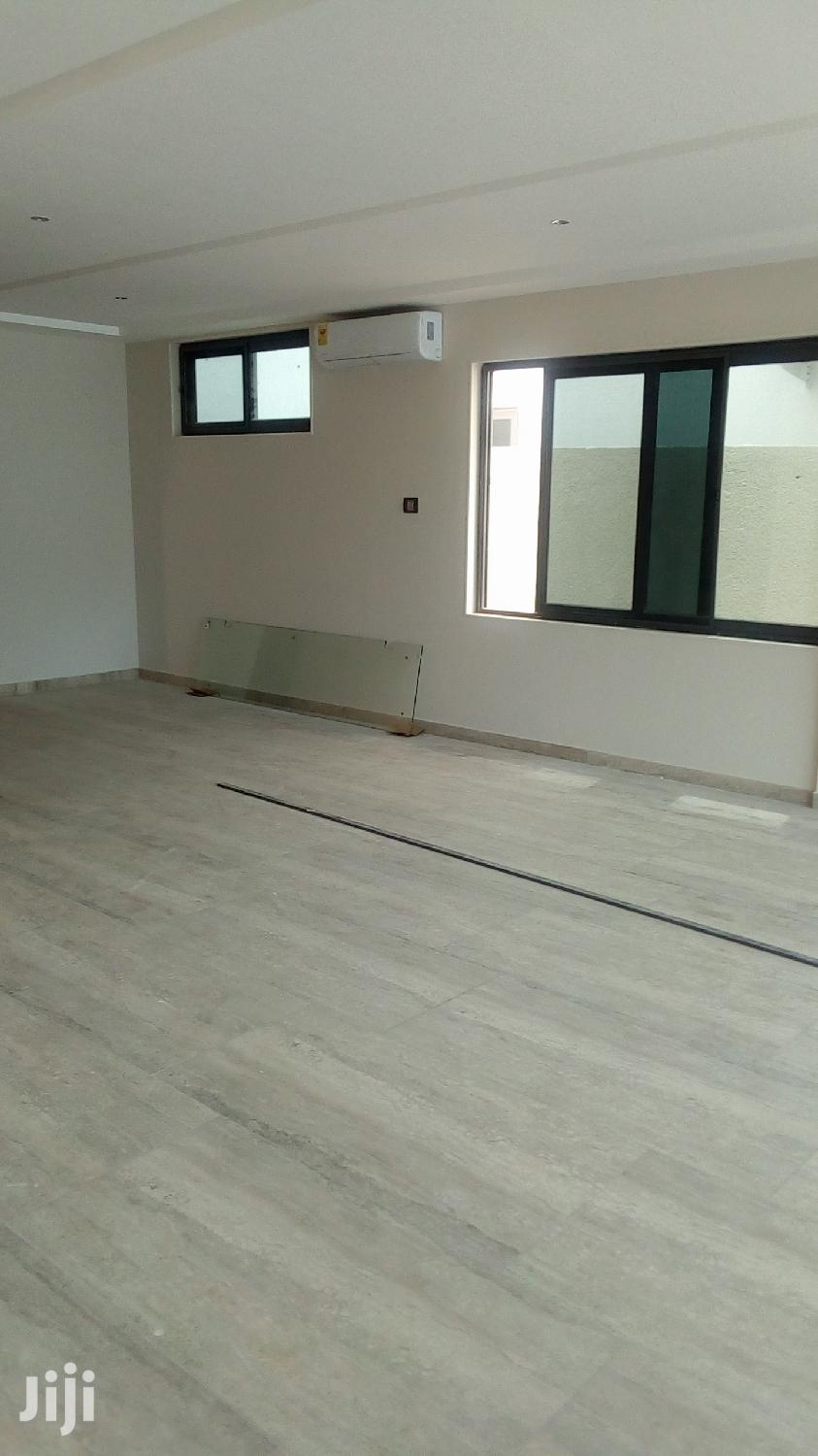 Archive: An Executive 4 Bedroom House With 1 Room BQ For RENT