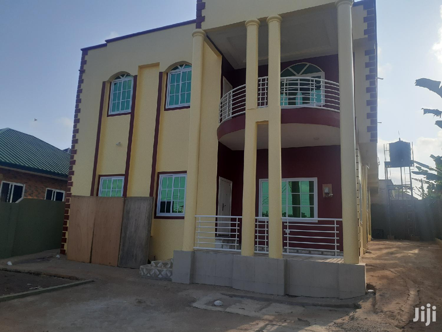 Exec 5bedroom House for Sale at Kwabenya Acp