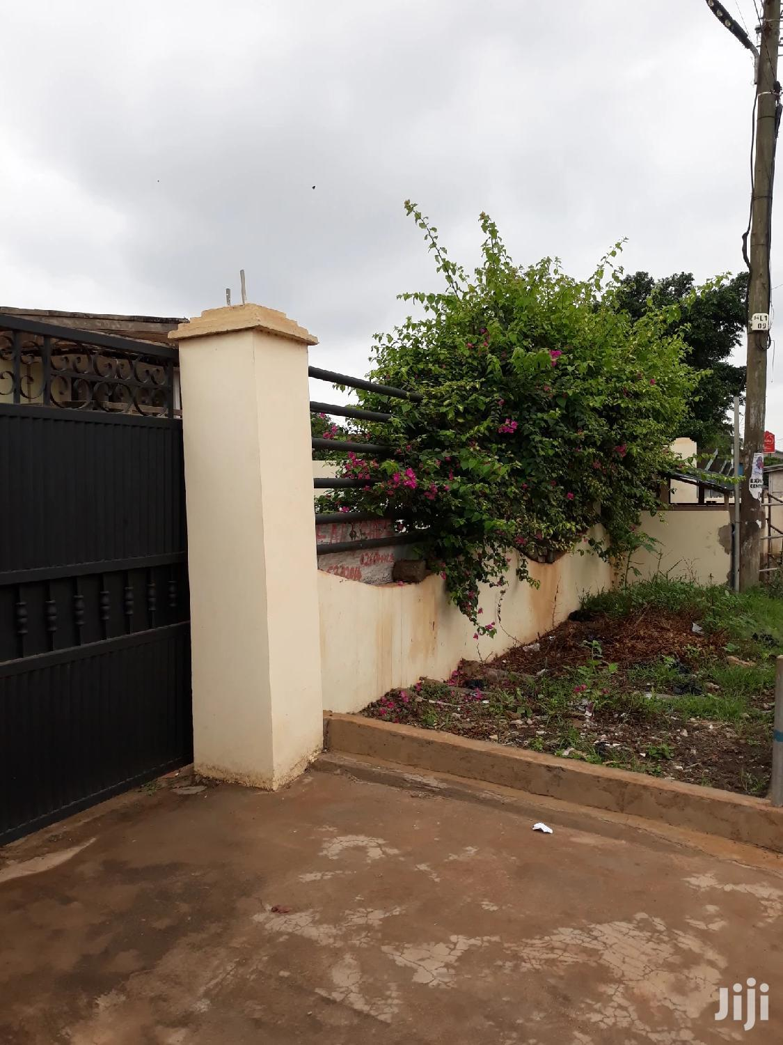 Single Room S/C Apartment For Rent At Achimota.