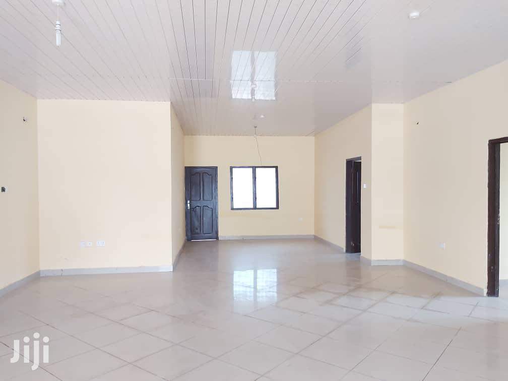 5 Bed Room Apartment Going For Sale