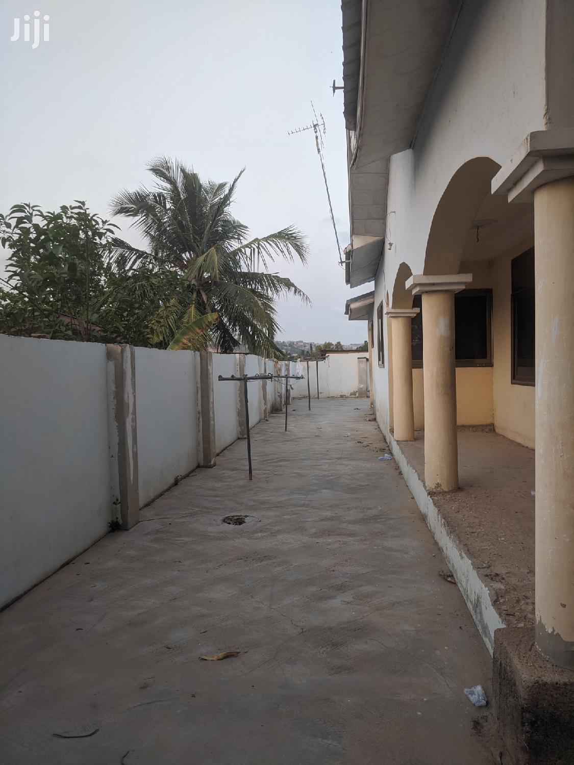 Four Bedroom Apartment in Barrier | Houses & Apartments For Rent for sale in East Legon (Okponglo), Greater Accra, Ghana