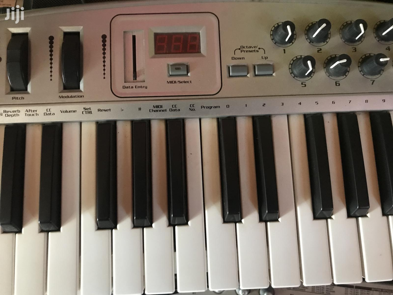 Oxygen 8 Midi Keyboard