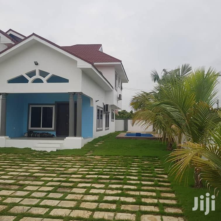 An Extraordinary 4 Bedroom Forsale At Tema