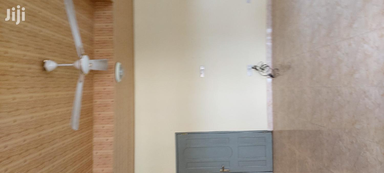 Archive: 3 Bedrooms Flat for Rent