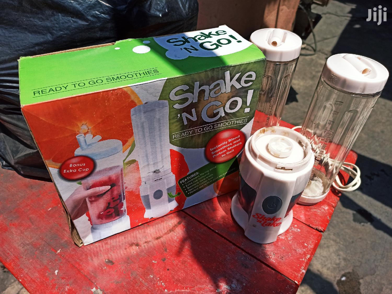 Smoothie Maker/ Juice Blender | Kitchen Appliances for sale in Dansoman, Greater Accra, Ghana
