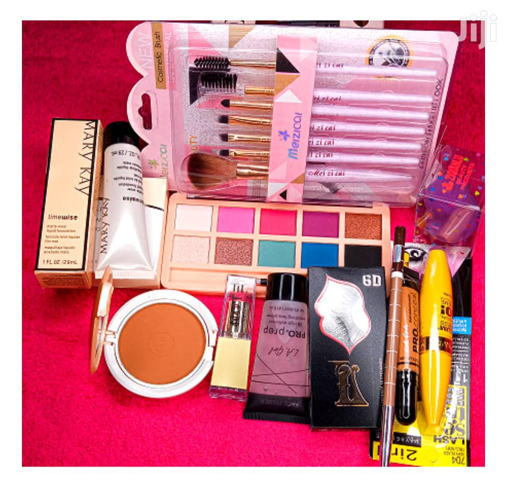 Personal Makeup Set