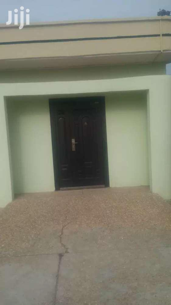 Archive: 3 Bedroom Self Contained