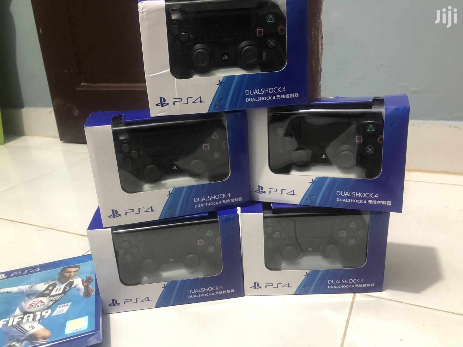 Archive: Original Ps4 Controllers