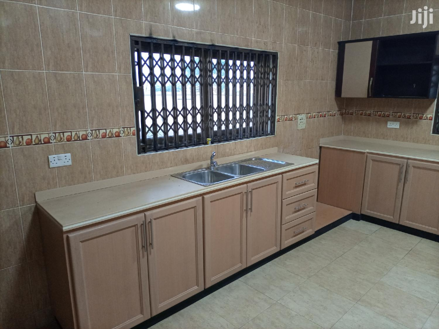 Executive 8bedroom House For Rent At Community 25 | Houses & Apartments For Rent for sale in Tema Metropolitan, Greater Accra, Ghana