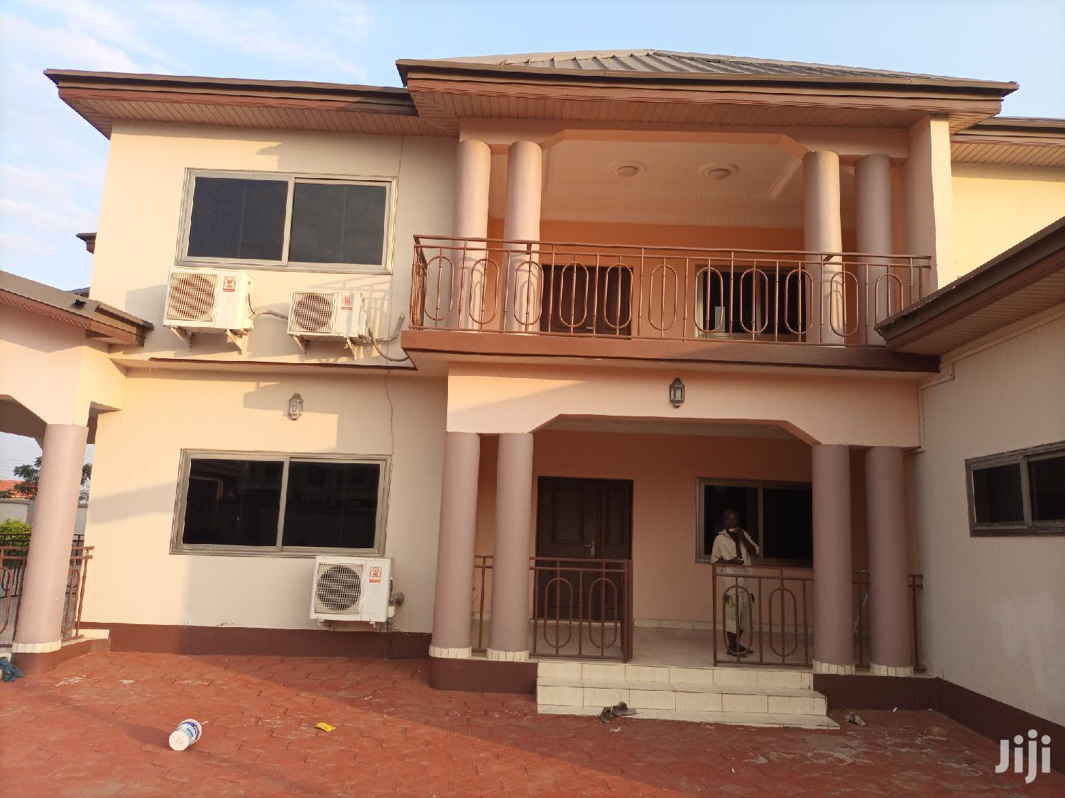 Executive 8bedroom House For Rent At Community 25