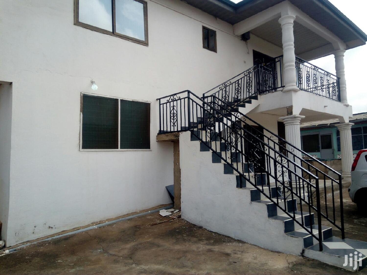 2 Bedroom Flat With 2 Washrooms at Lakeside Estate