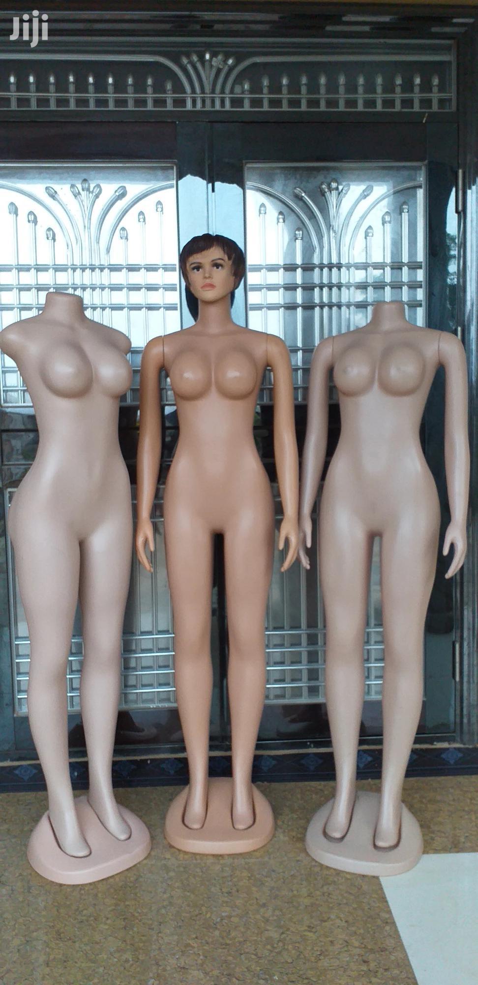 Archive: Female Mannequins