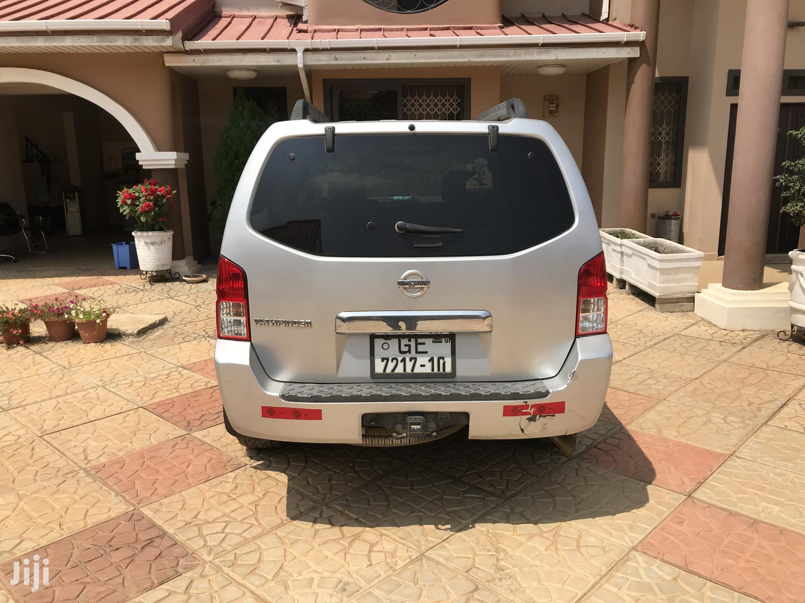 Nissan Pathfinder 2006 LE 4x4 Silver | Cars for sale in East Legon, Greater Accra, Ghana