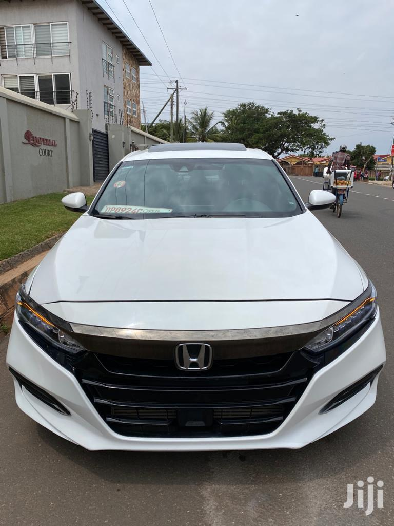 Archive: Honda Accord 2019 White