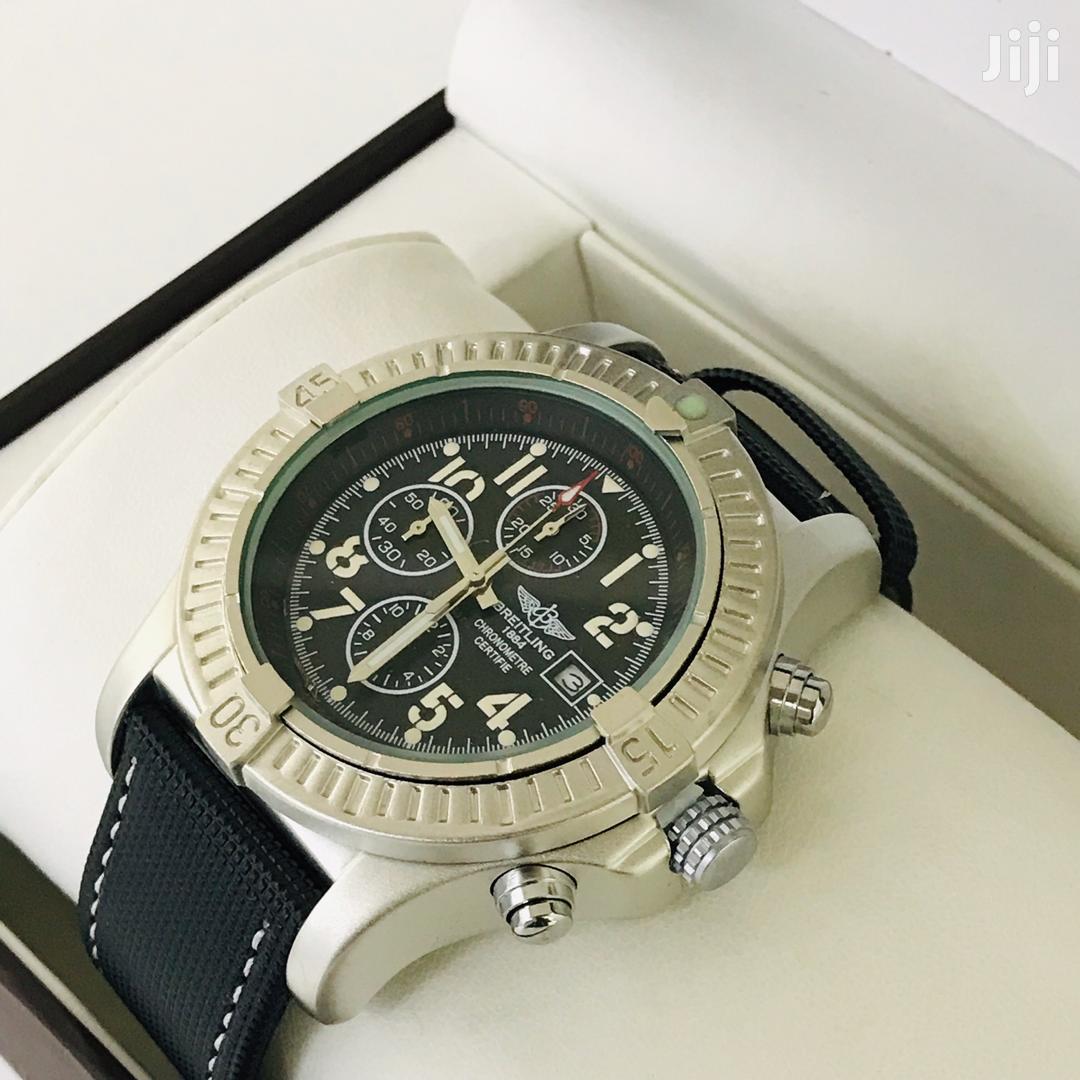 Luxury Analog Display Chronograph Breitling Watch