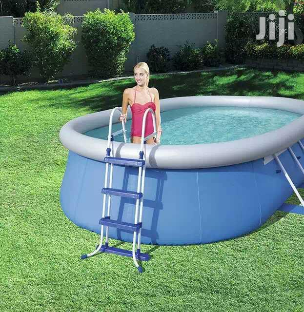 Neat Swimming Pool Ladder
