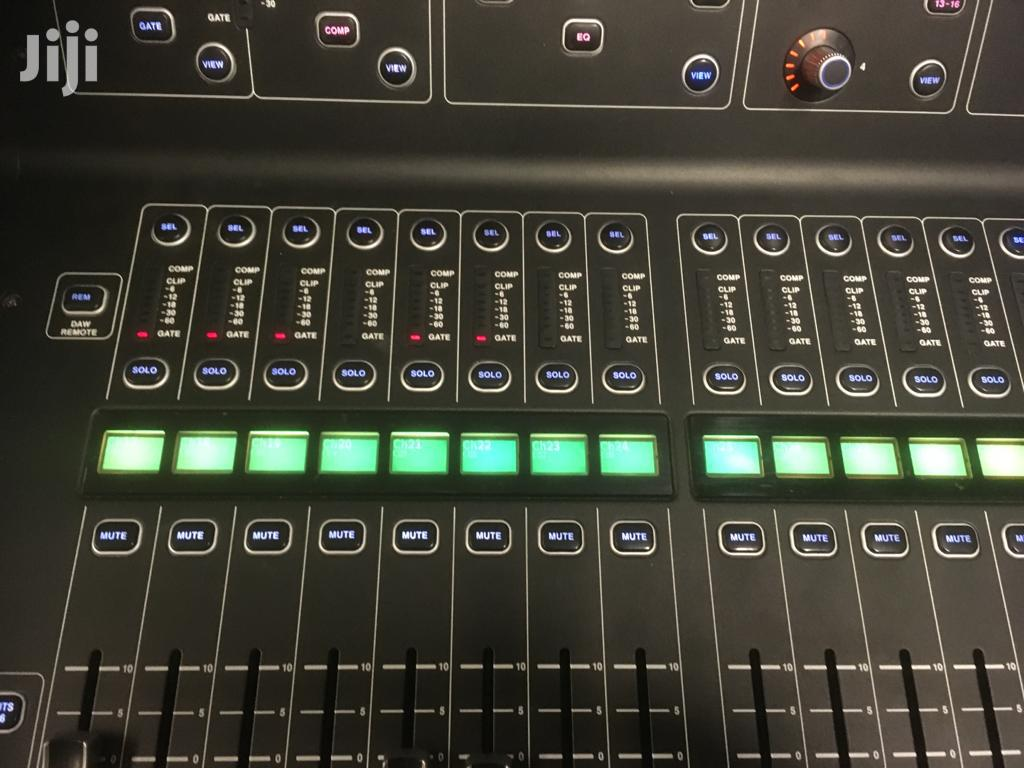 Archive: Midas M32 Digital Mixer