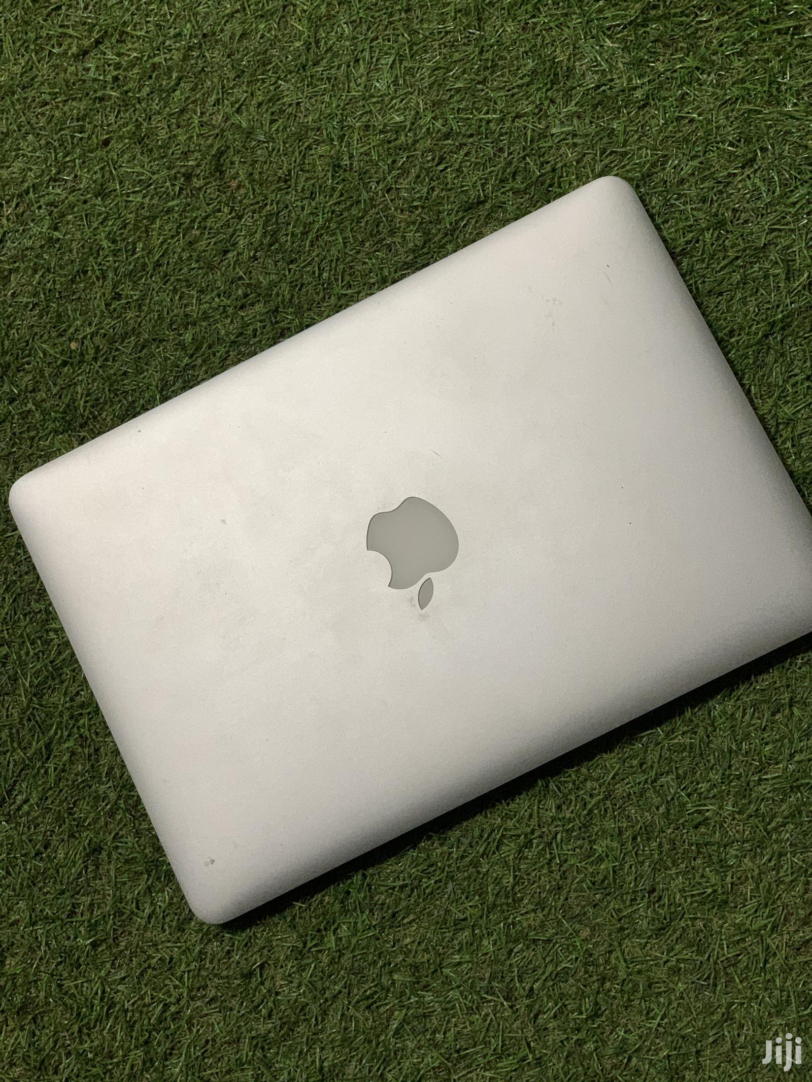 Archive: Laptop Apple MacBook Pro 8GB Intel Core I5 SSD 256GB