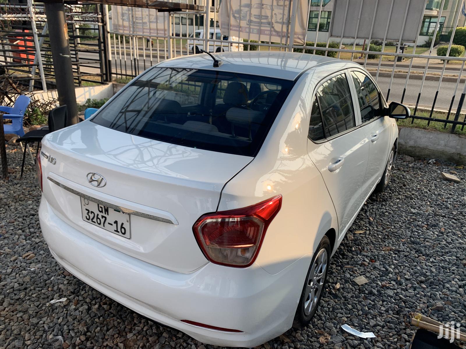 Archive: Hyundai i10 2016 White