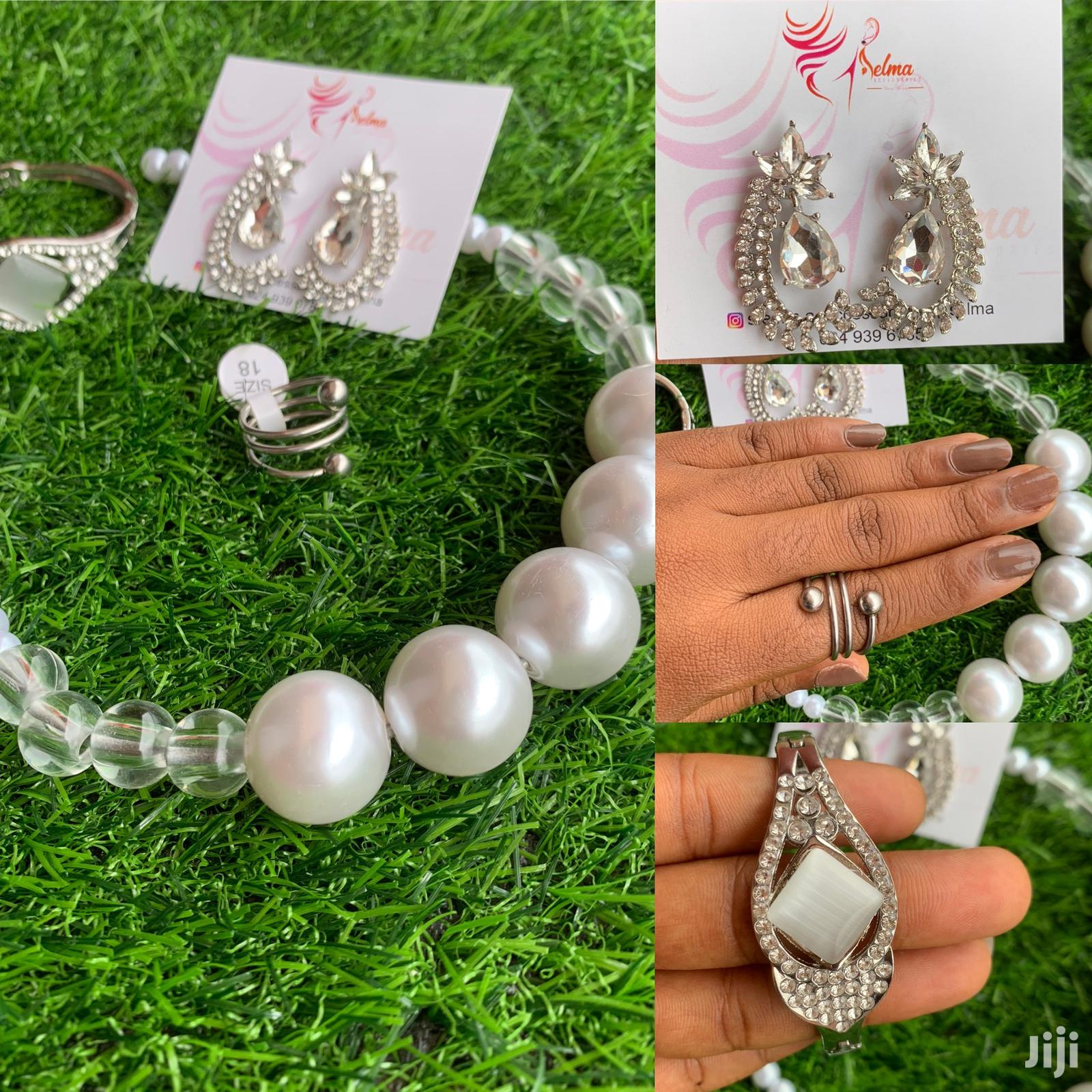 Ceremonial Occasions Accessory Set