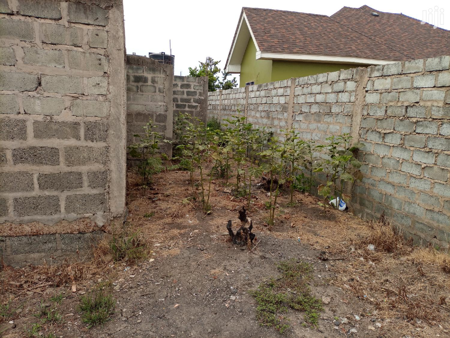 Land With An Uncompleted Building For Sale At C 25 PS