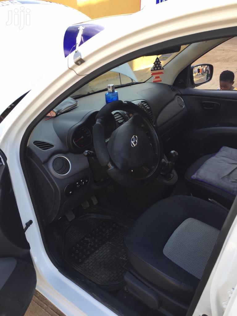 Archive: Hyundai i10 2015 Yellow