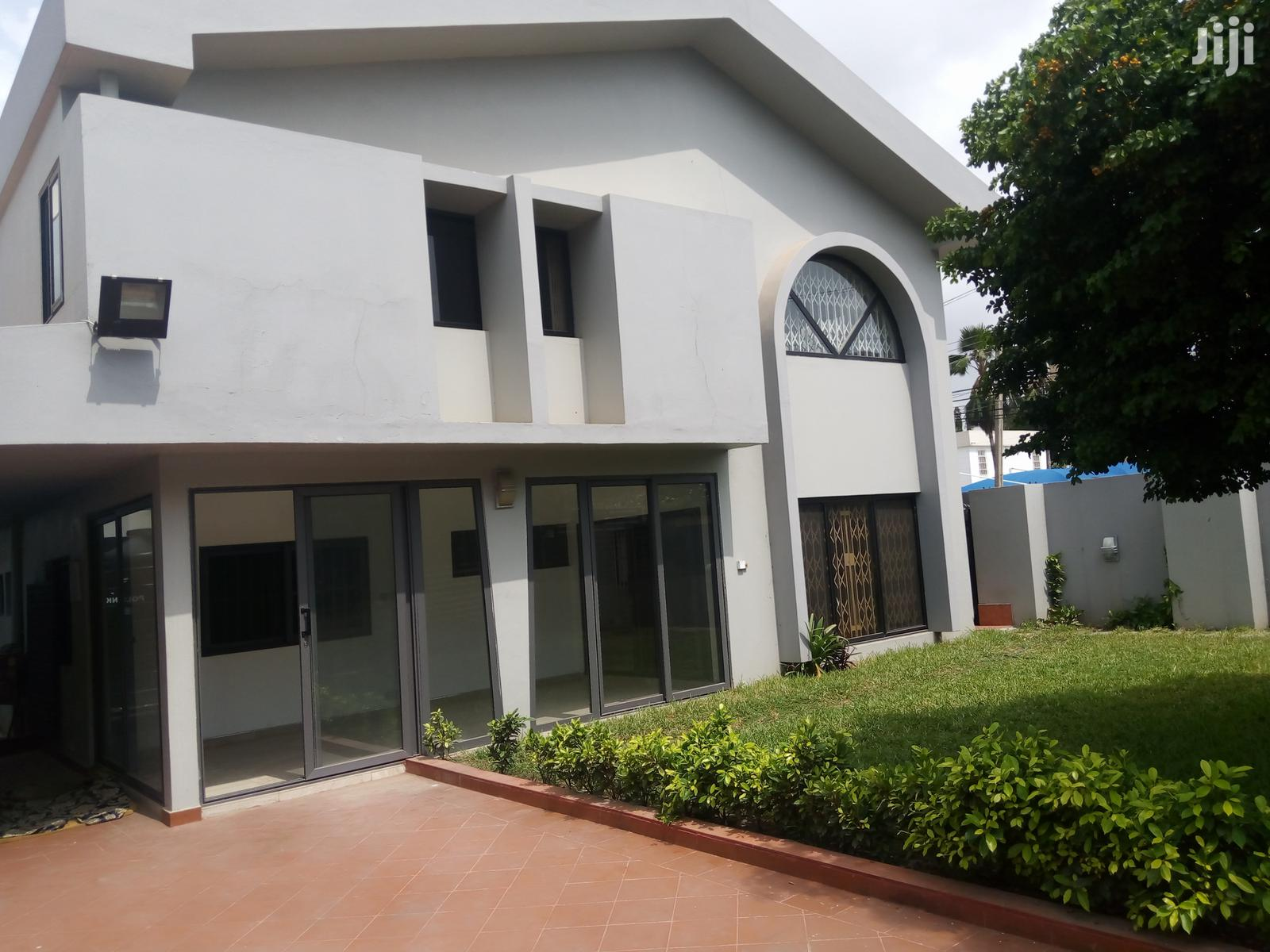 A 4 Bedroom House for Rent at North Ridge Luxurious Fixture