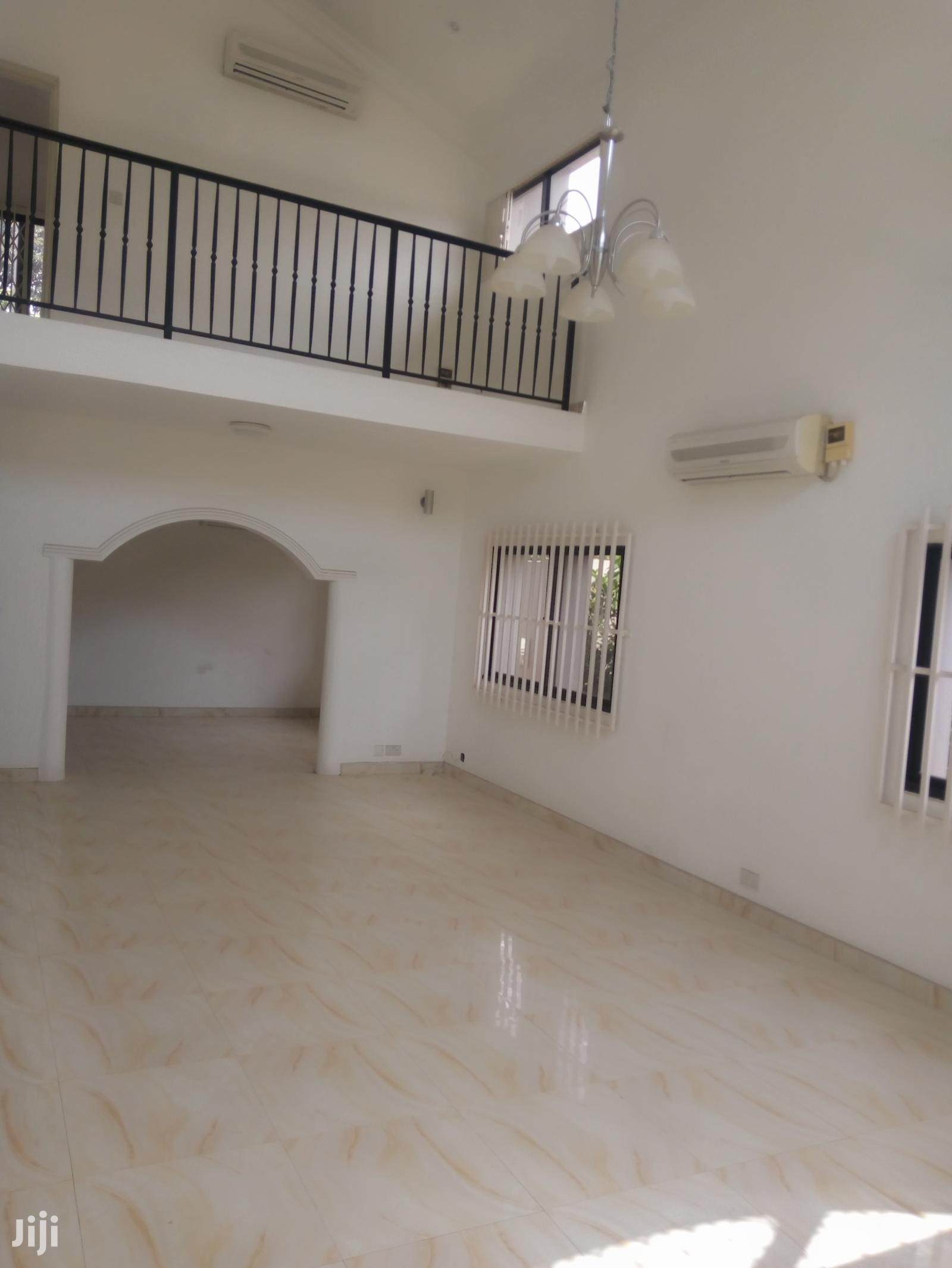 A 4 Bedroom House for Rent at North Ridge Luxurious Fixture | Houses & Apartments For Rent for sale in Roman Ridge, Greater Accra, Ghana