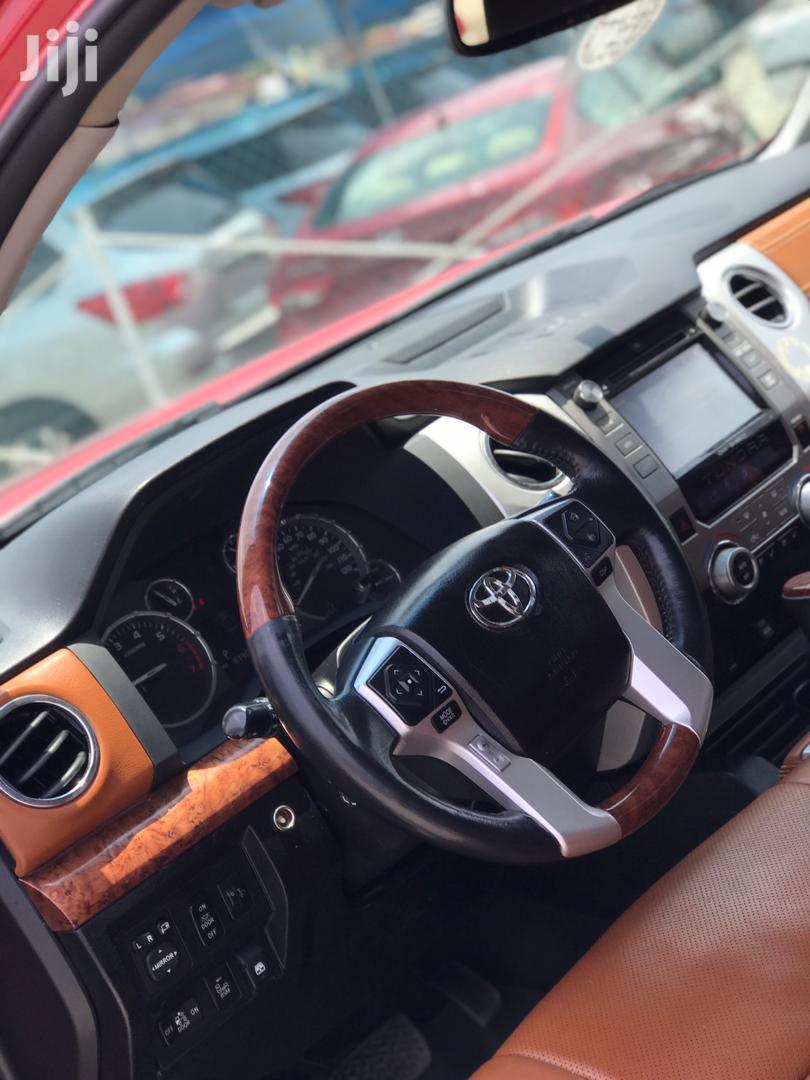 Archive: Toyota Tundra 2015 Beige