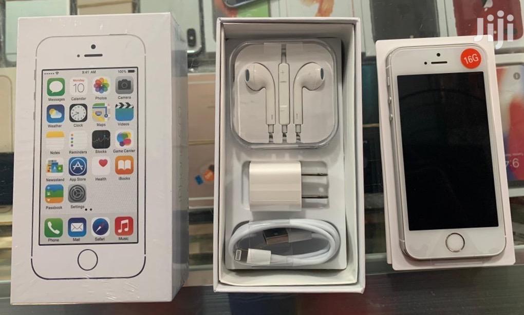 New Apple iPhone 5s 16 GB White
