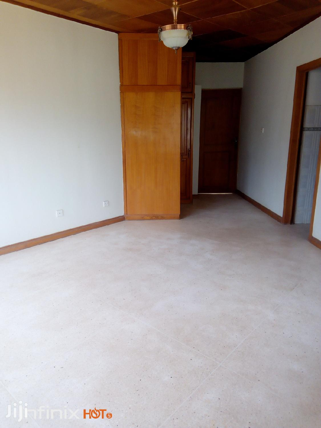 5/2 Bedroom House To Let At Ofankor