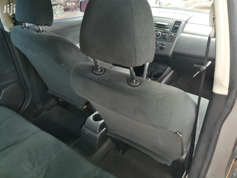 Archive: Nissan Versa 2010 1.8 S Sedan Gray