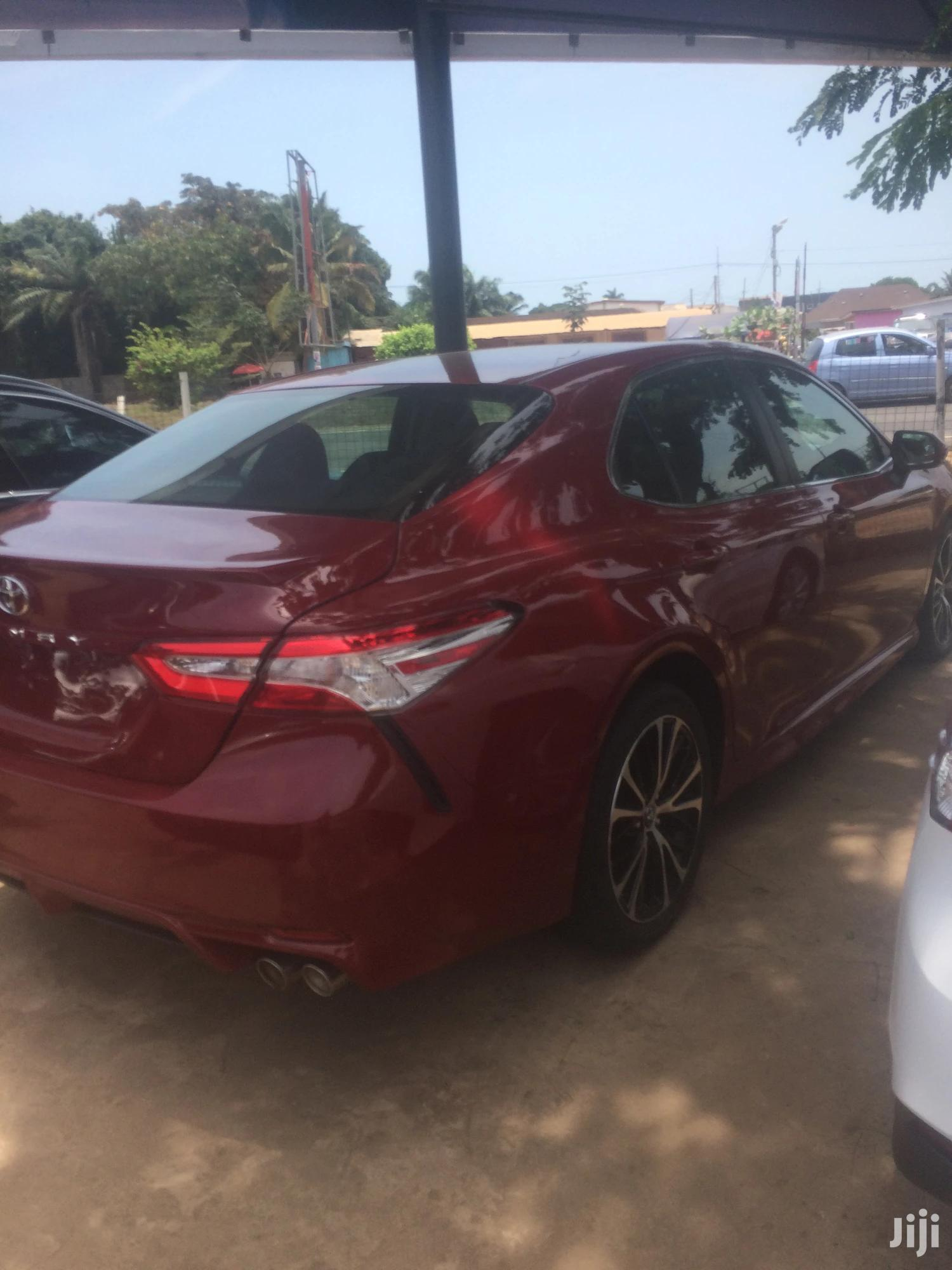 Archive: Toyota Camry 2018 Red
