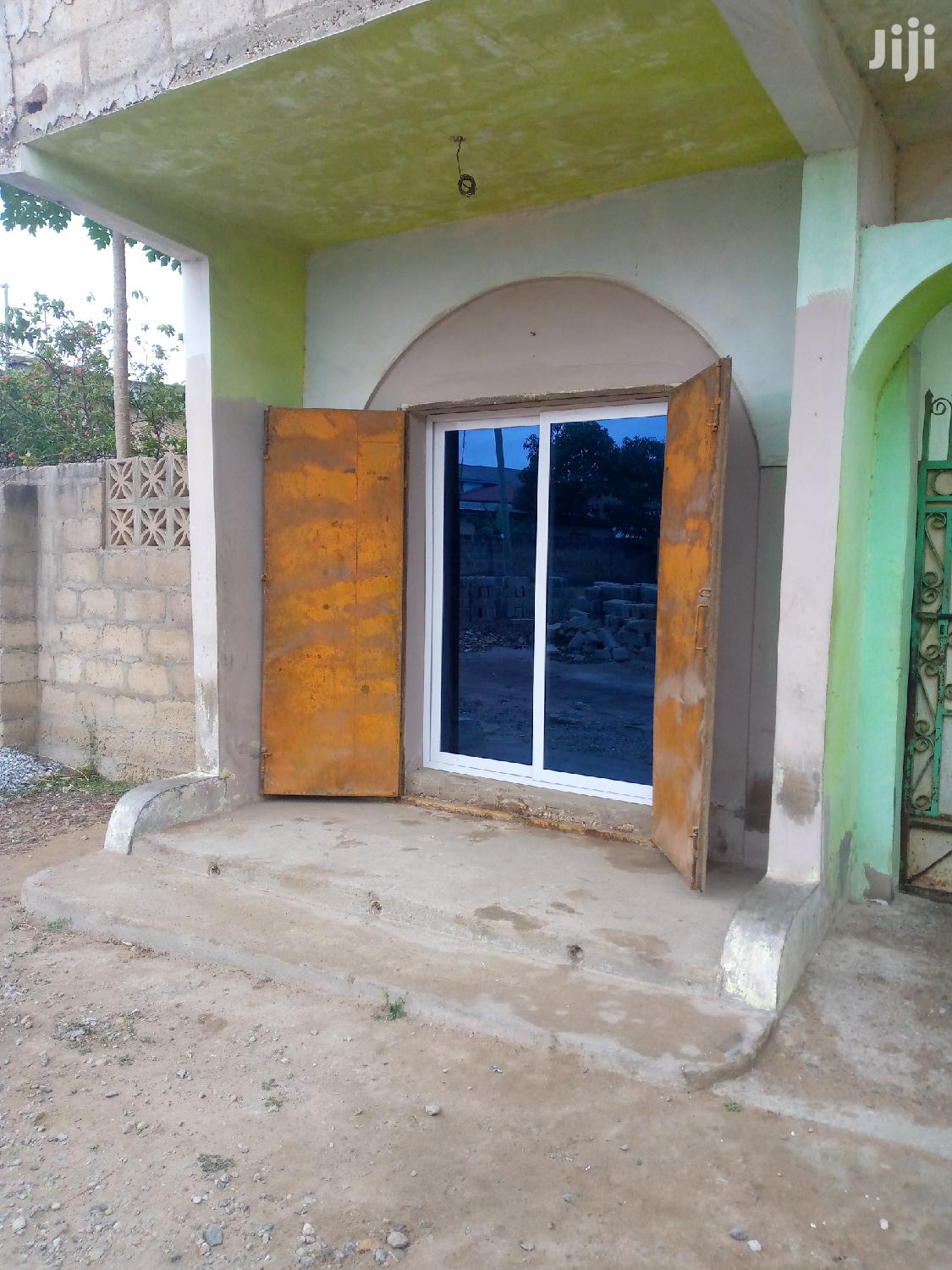 Single Shop | Commercial Property For Rent for sale in Ga South Municipal, Greater Accra, Ghana