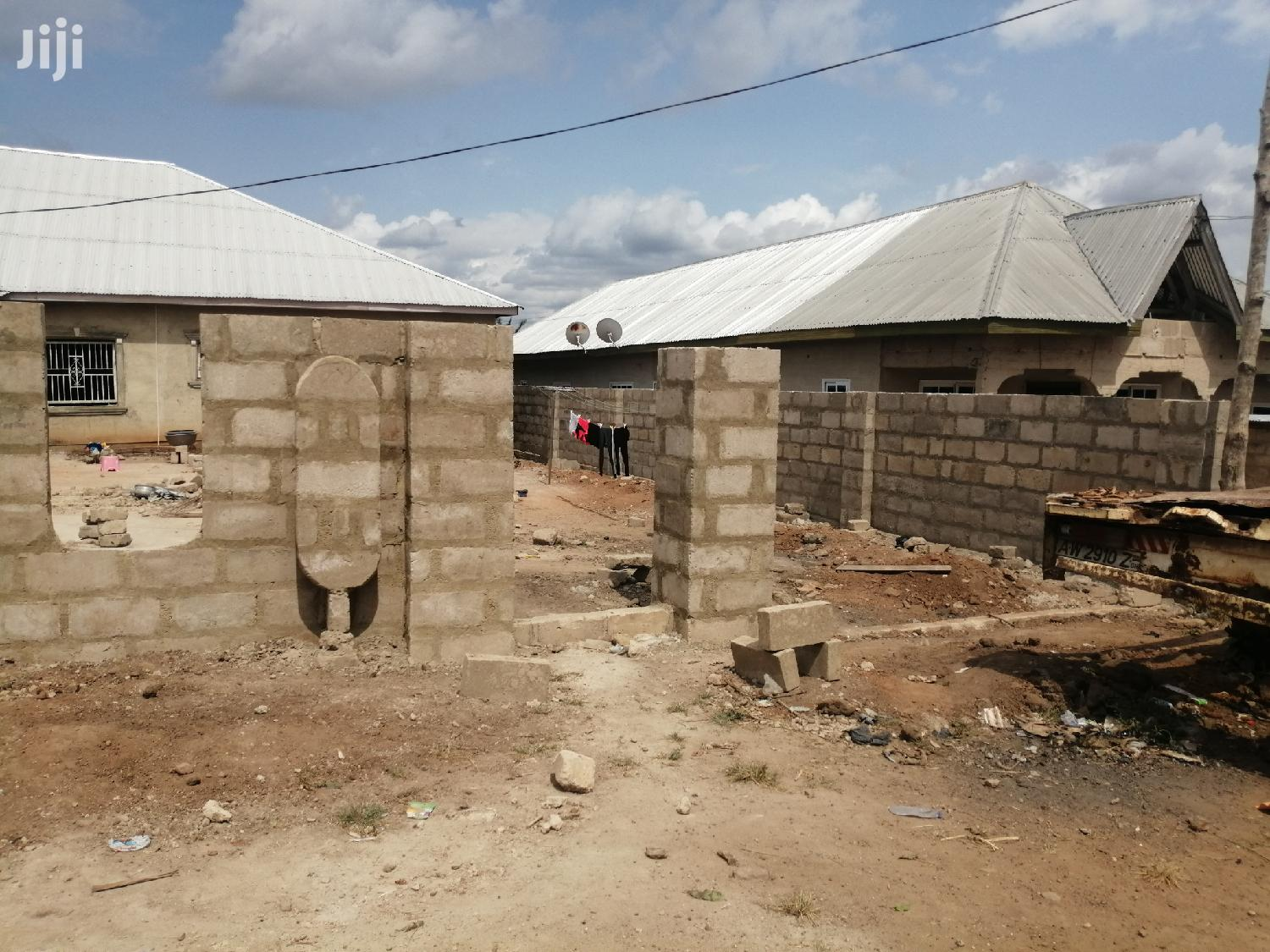 Three Bed Room Flat, 3 Singles Room Self Contained For Sale | Houses & Apartments For Sale for sale in Kumasi Metropolitan, Ashanti, Ghana