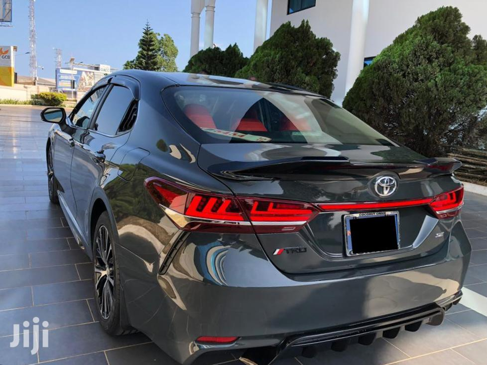 Toyota Camry 2018 SE FWD (2.5L 4cyl 8AM) Black | Cars for sale in Accra Metropolitan, Greater Accra, Ghana