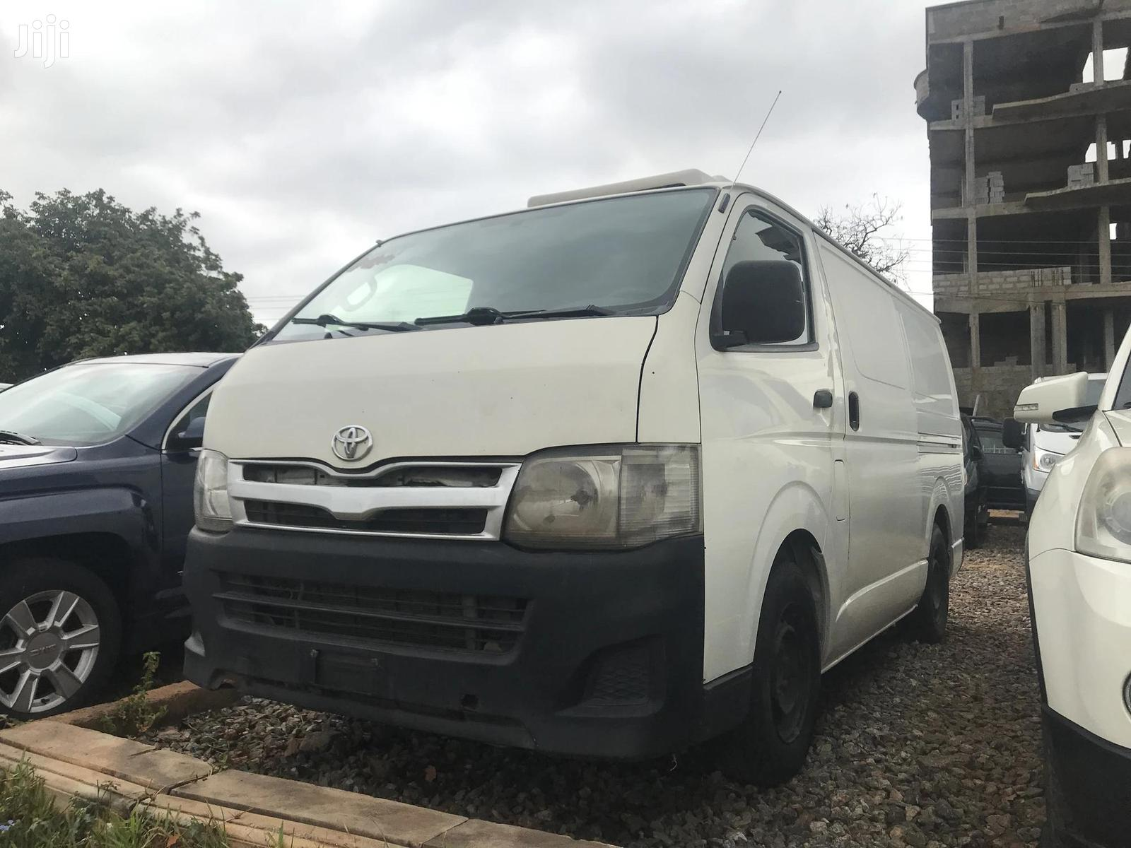 Archive: Toyota Hiace Mini Bus 2010 Model Drive Good Call Now