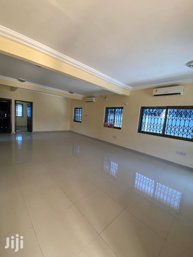 Executive 5bwsrooms Duplex to Let at West Land $1,200 Usd