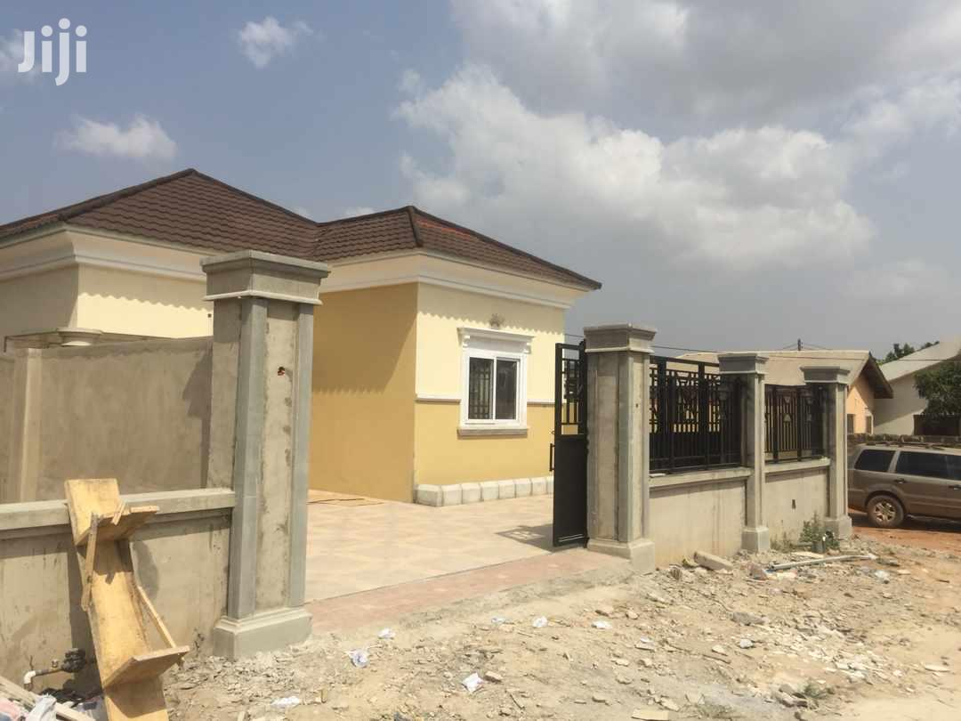 Executive 2 Bedroom House For Sell In Ashongman Estates | Houses & Apartments For Sale for sale in Dzorwulu, Greater Accra, Ghana
