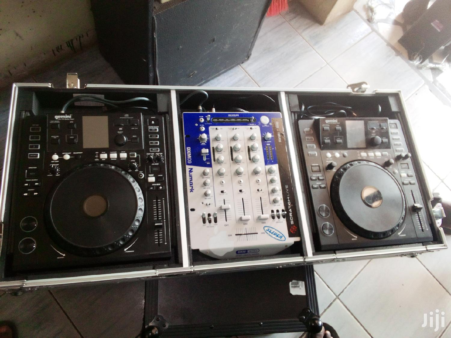 Archive: Dj Mixer With 2 Gemini Decks For Music Playing