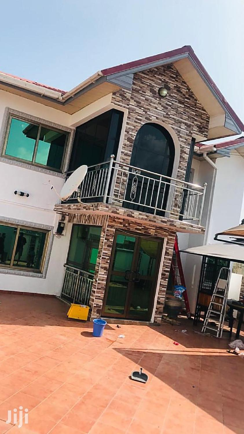 Executive 4 Bedroom House For Sale In Closed To Gimpa