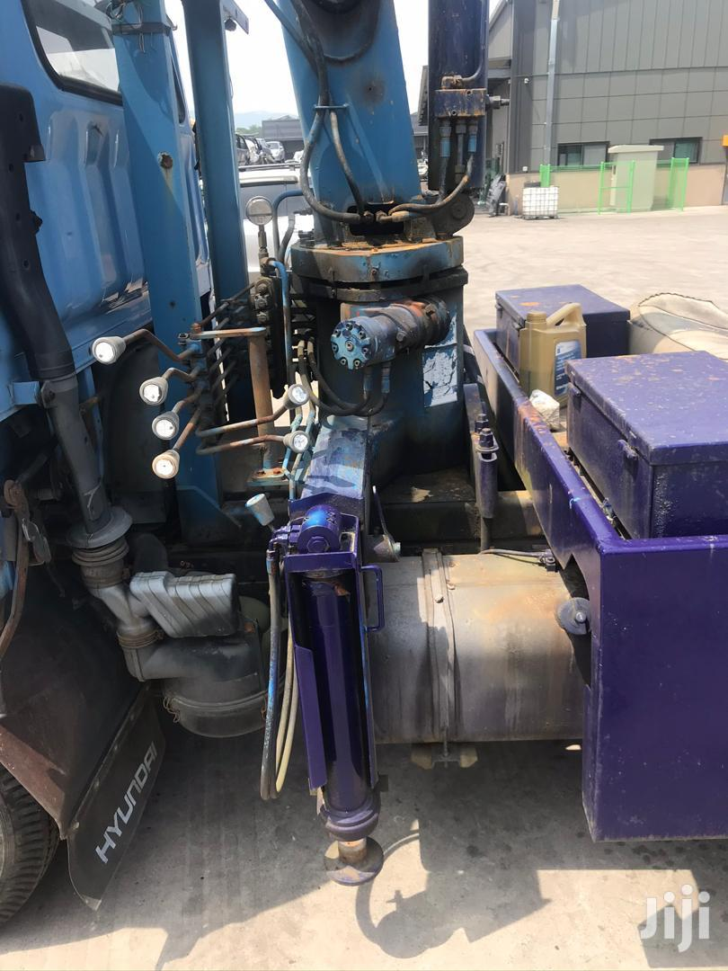 Hyundai Mighty Towing Truck | Trucks & Trailers for sale in Abossey Okai, Greater Accra, Ghana