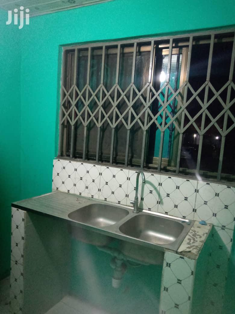 <>#Excutive 🏘 Chamber Hall Self Contain to Let | Houses & Apartments For Rent for sale in Ledzokuku-Krowor, Greater Accra, Ghana