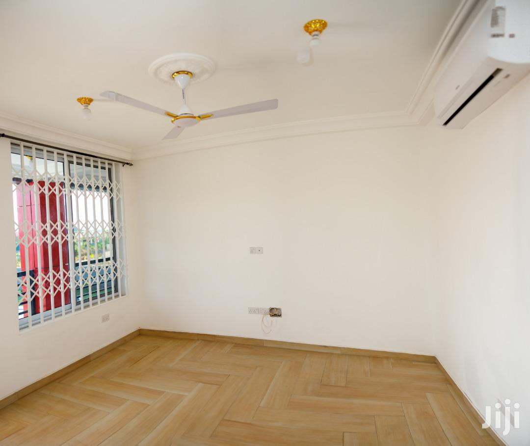 Spacious & Brand New 2-bedroom Apartments. No Agents | Houses & Apartments For Rent for sale in Adenta Municipal, Greater Accra, Ghana