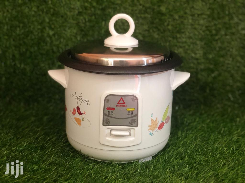 Rice Cooker Available 1.5 Lit
