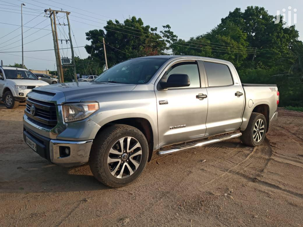 Archive: Toyota Tundra 2015 Silver