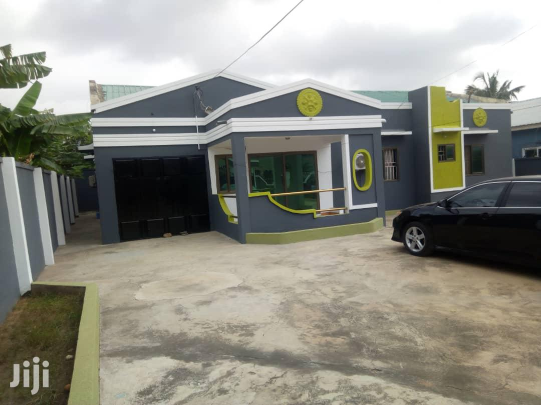 Nice 3 Bedroom House With 1 Bdrm Bys Qrtrs Haatso Down Sales