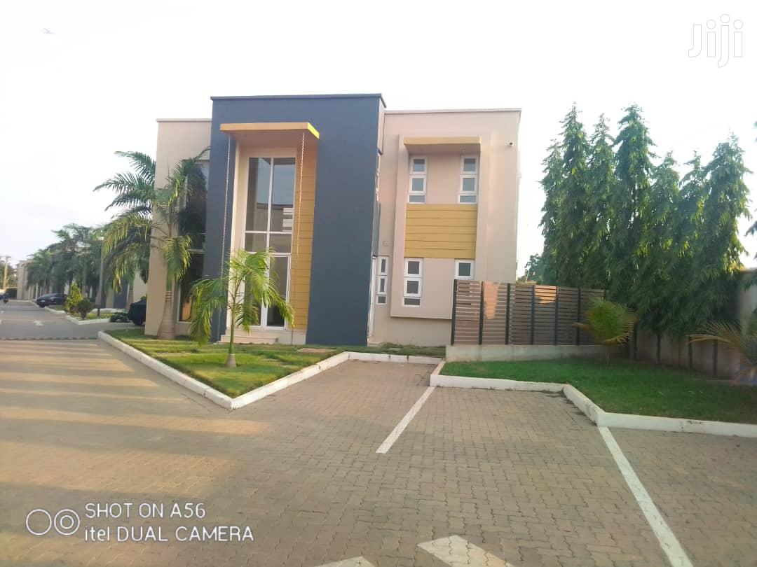 Powerful 4 Bedroom House With Boys Quarters Closed To Gimpa