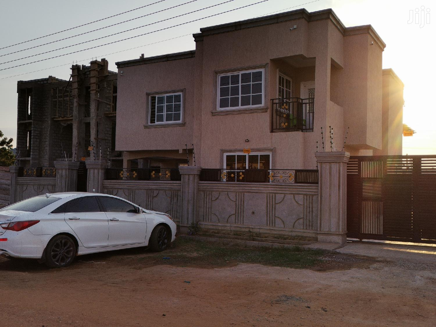 Archive: Beautiful And Cute Modern 4 Bedrooms House For Sale