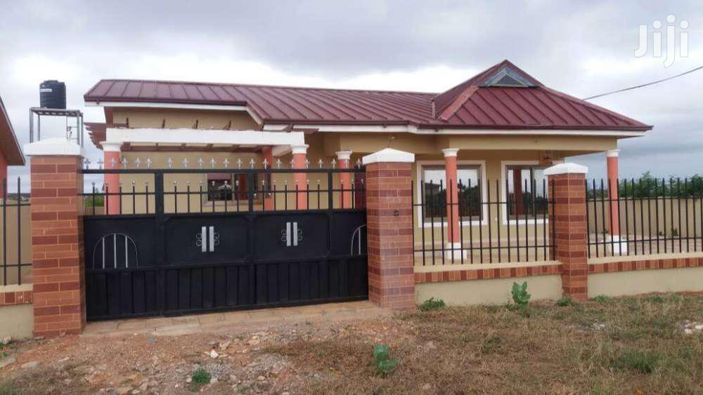 Three Bedroom House For Sell At Community 25